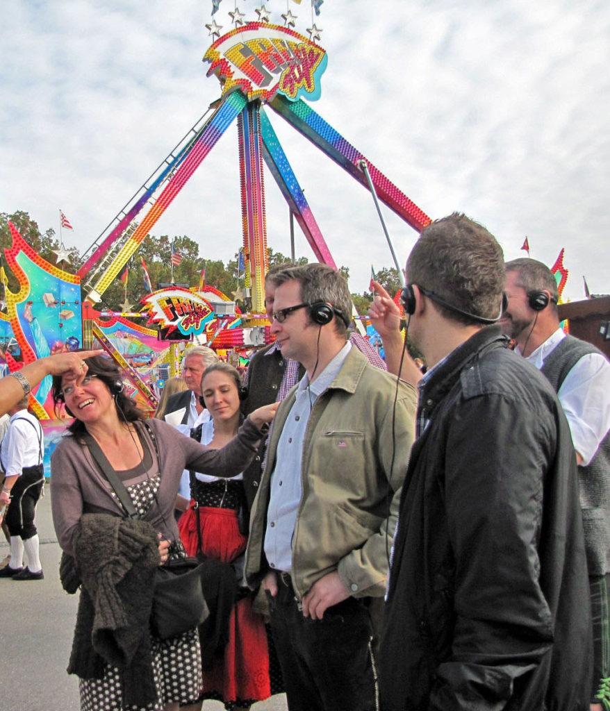 Oktoberfest Führung mit tourguide System, München, Gästeführung, guide, reiseleiter, Ilona Brenner, Stadtrundgang, Stadtrundfahrt, Parks, Gärten, Schlösser, Kirchen, Themenführung